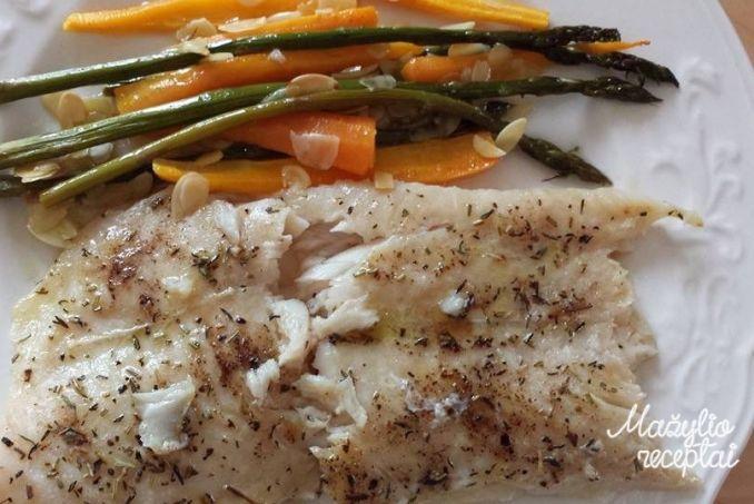 Orkaitėje kepta žuvis su daržovėmis